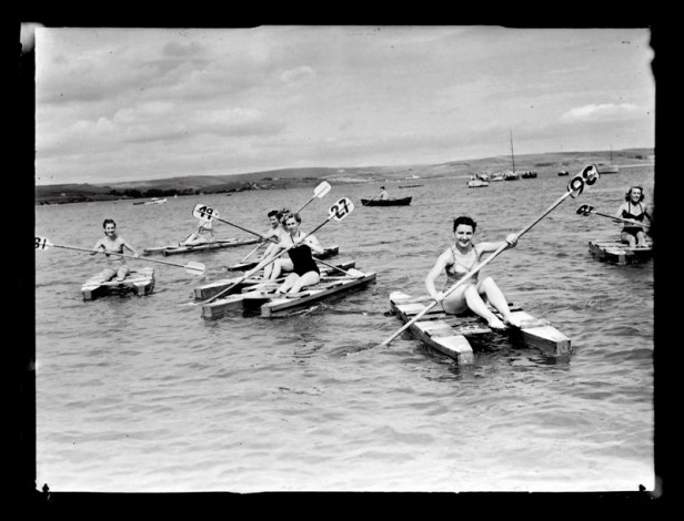 James & Caddy – Funfloats, Canoes and Swan peddle craft, 1955. Copyright with Dorset History Centre.