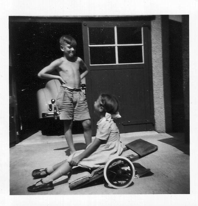 Liz with her brother c1955